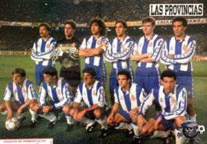 Эспаньол Барселона 92/93 верхний ряд первый слева