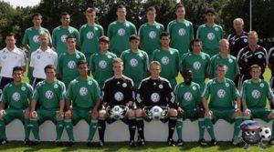 Вольфсбург 2009 средний ряд  5 слева